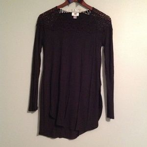 Old Navy Black Lace neck tunic top-size Small